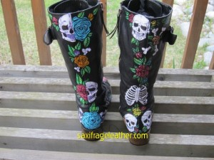 Skulls and roses painted lace-up boots